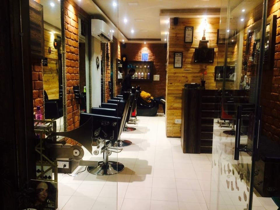 Hair salon in South Delhi ( Rebonding Studio )